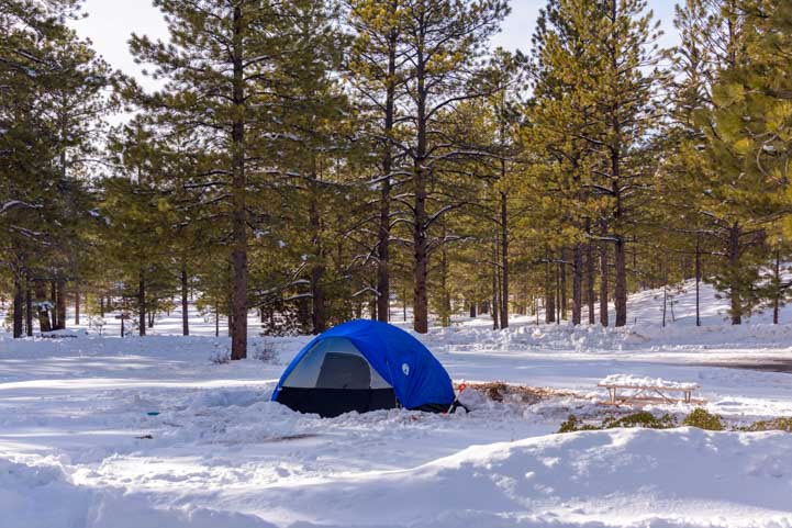Tent camping in snow North Campground Bryce Canyon National Park-min