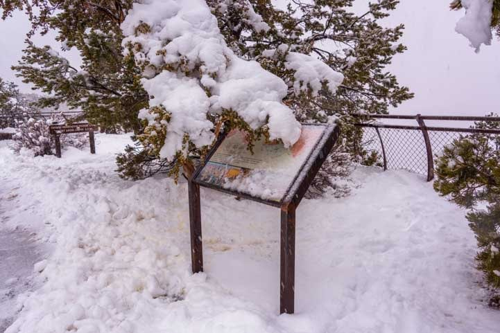 Snowed in at Grand Canyon National Park-min