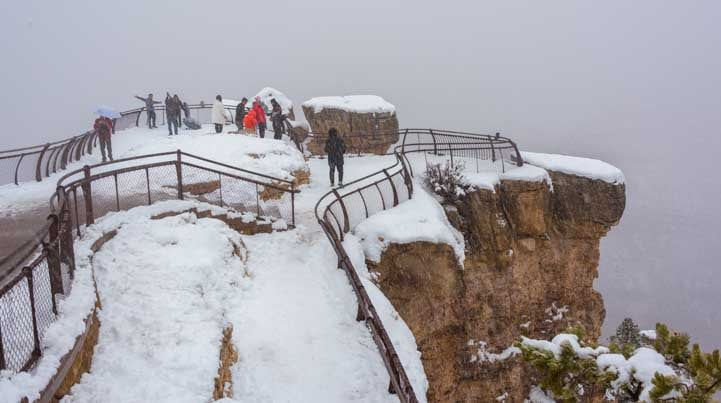 Grand Canyon overlook in snow-min