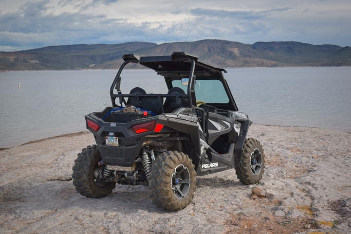 Polaris RZR 900 EPS XC Edition lakeside-min
