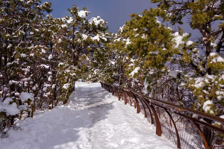 Rim Trail Grand Canyon National Park in snow-min
