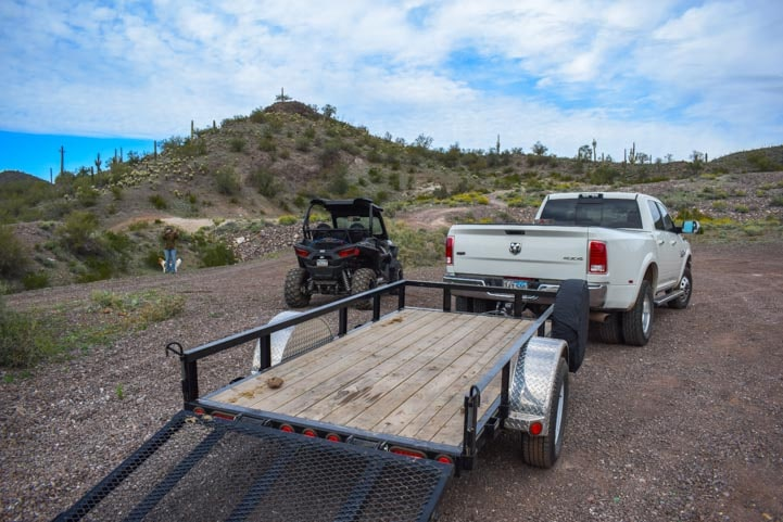 Truck Polaris RZR UTV and utility trailer-min