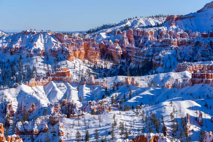 Blanket of Snow Bryce Canyon National Park-min