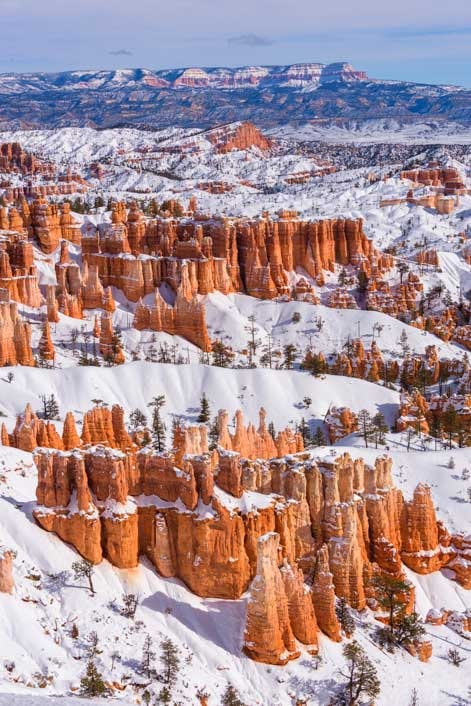 Inspiration Point with snow at Bryce Canyon National Park-min