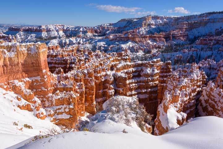 Stunning Bryce Canyon National Park view with snow-min