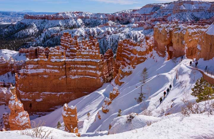 Navajo Loop Trail Hikers at Bryce Canyon National Park with snow-min