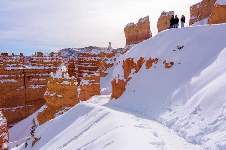 Drifts of snow Bryce Canyon National Park-min