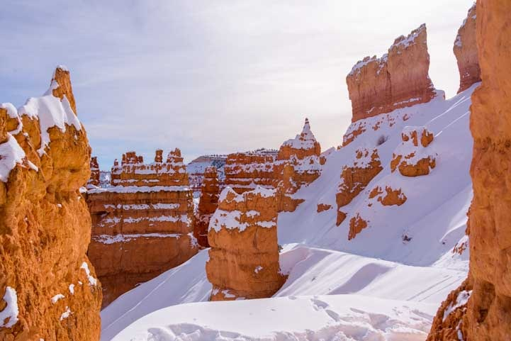 Snowy trails Bryce Canyon National Park-min