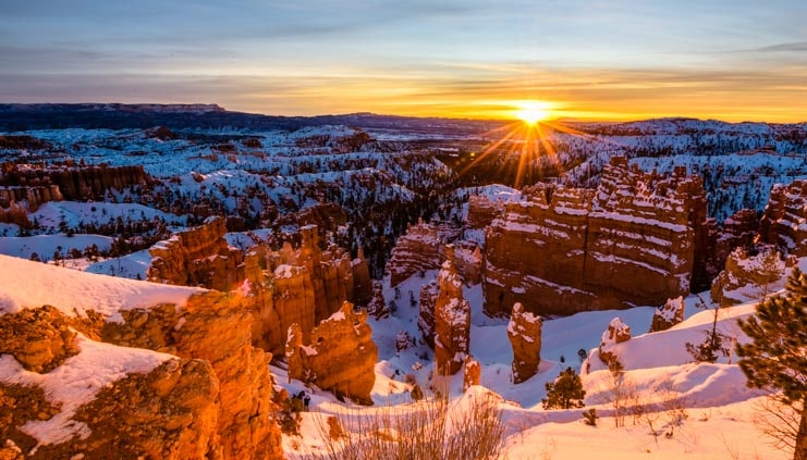 Sunrise at Bryce Canyon National Park in Utah winter visit with snow-min
