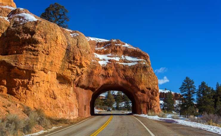 Snow at Red Canyon Utah tunnel-min