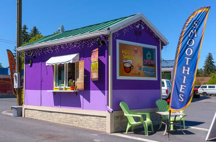 Hot shots and smoothies coffee kiosk Oregon-min