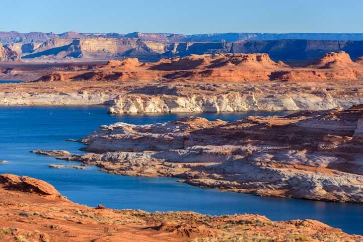 Glen Canyon Page Arizona morning light-min