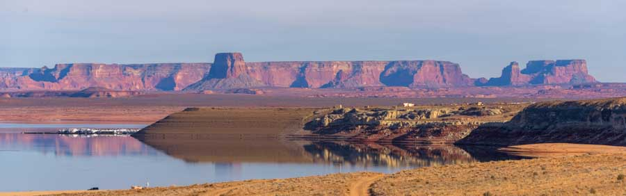 Red rock mesas at Glen Canyon Arizona-min