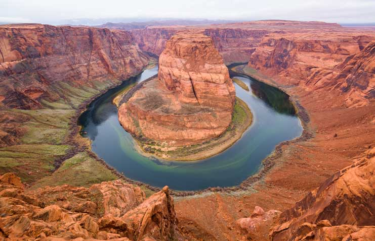 Horseshoe Bend Overlook Page Arizona-min