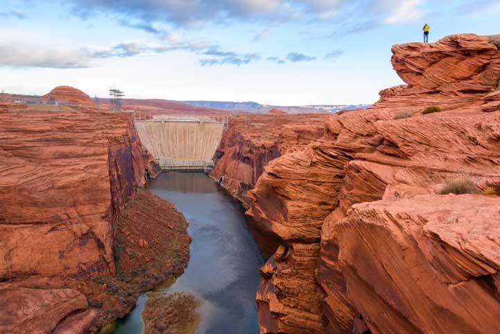 Glen Canyon Dam Overlook in Page Arizona-min