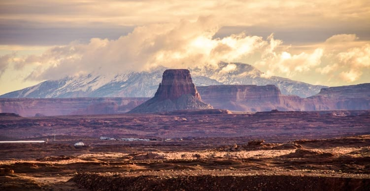 Storm on the horizon Glen Canyon Lake Powell Arizona-min