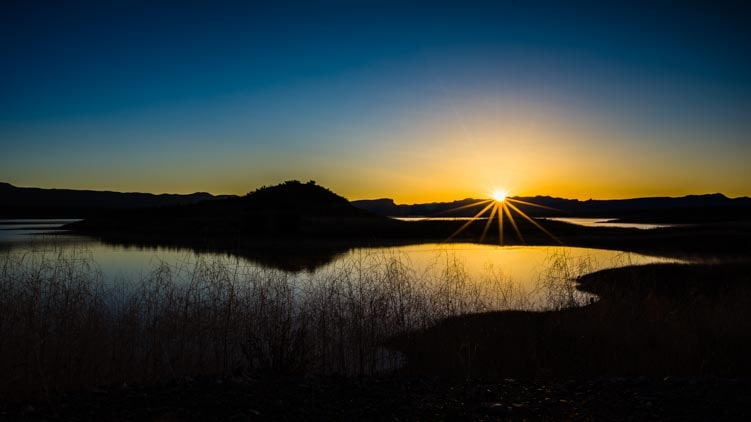 Lakeside sunrise in the Arizona desert