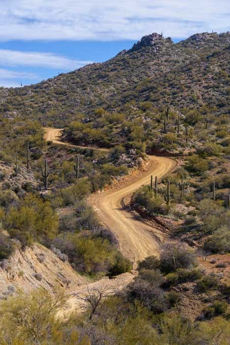Side-by-side dirt trail Arizona-min