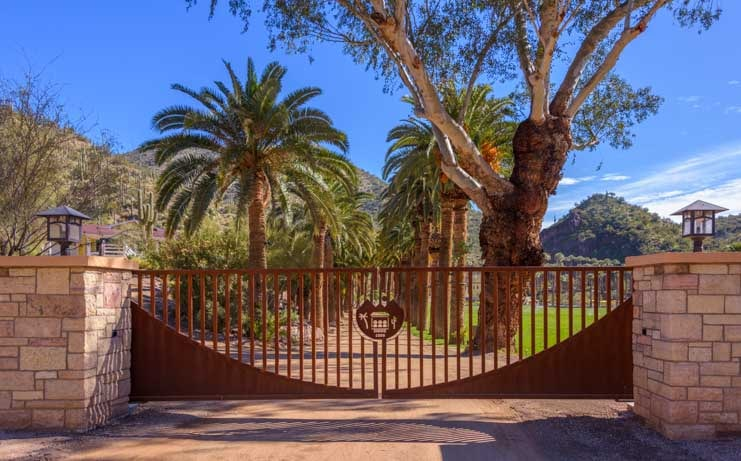 Castle Hot Springs entrance gate-min