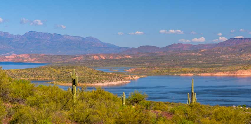 Roosevelt Lake Arizona-min