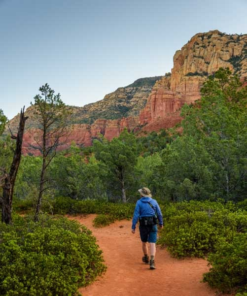 Hiking Brins Mesa Trail Sedona Arizona-min