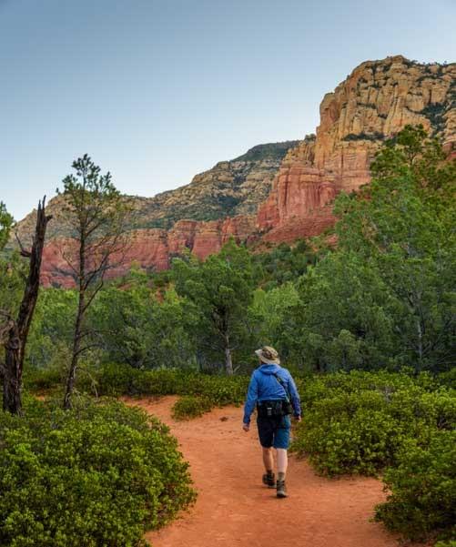 Hiking Brins Mesa Trail Sedona Arizona-min