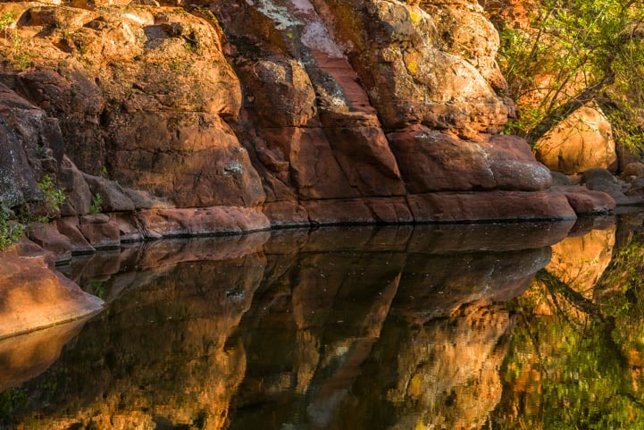 Sedona Arizona reflections in the water-min