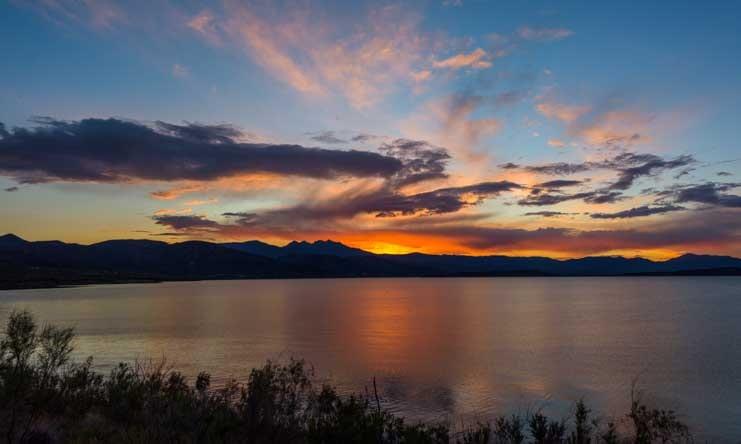 Sunset over Four Peaks Arizona-min