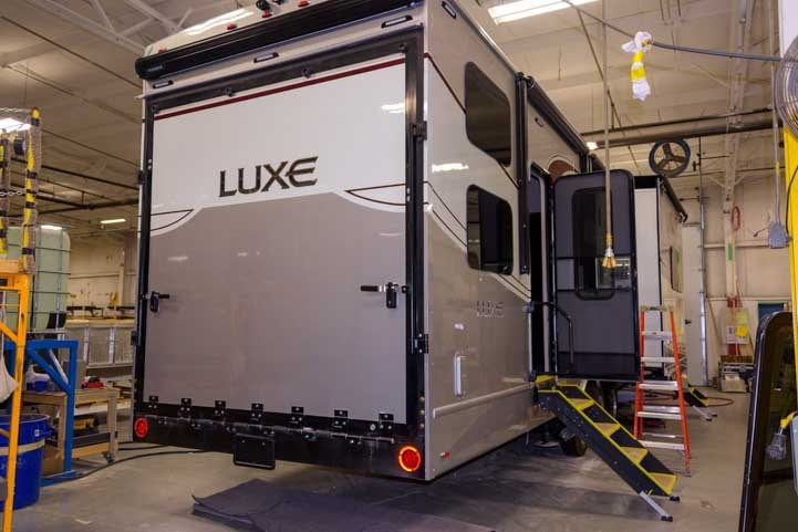 Luxe Fifth wheel toyhauler from The RV Factory-min