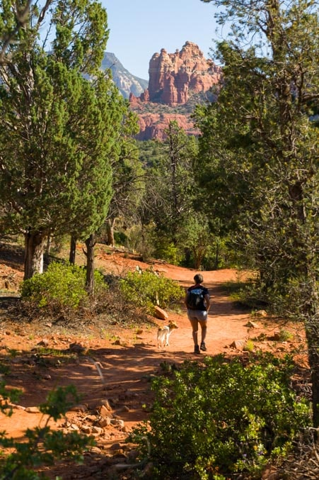 Hiking Broken Arrow Trail Sedona Arizona-min