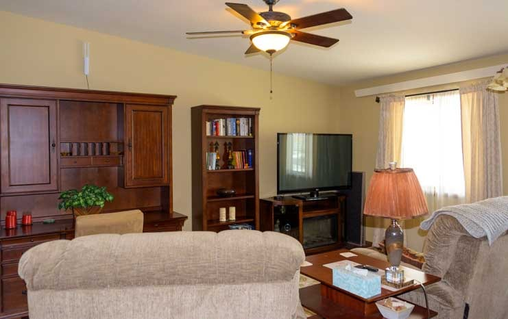 Hotel room Americas Mailbox Mail Forwarding Service for full-time RV travelers Rapid City South Dakota-min