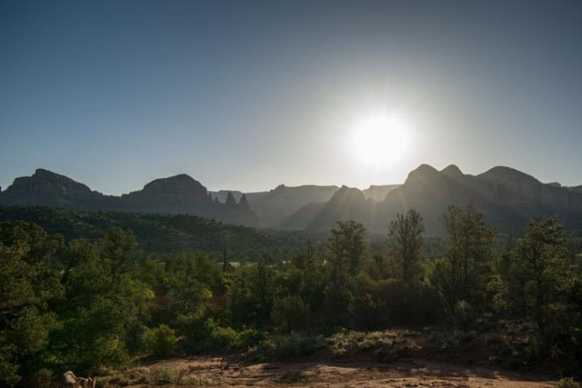 Dawn on the hiking trail Sedona Arizona-min