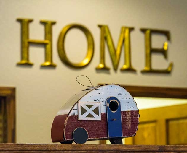 Retro RV trailer home decoration-min