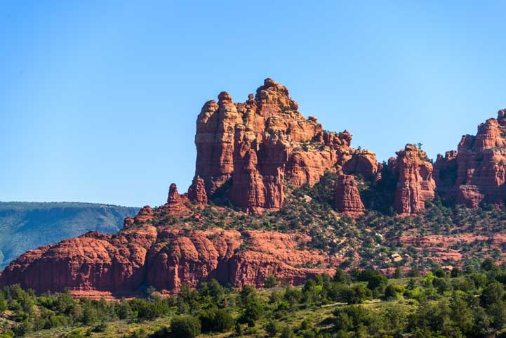 Dramatic red rocks Broken Arrow Trail hike Sedona Arizona-min