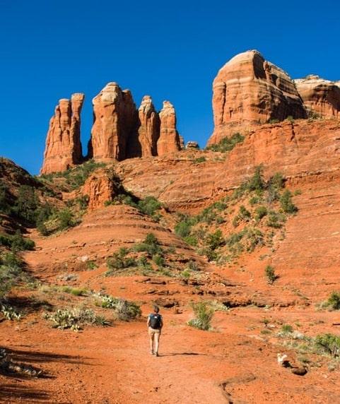 Hiking Cathedral Rock Trail in Sedona Arizona-min