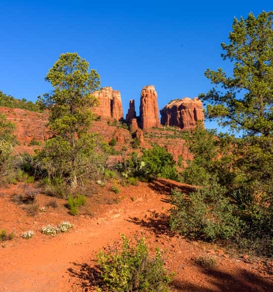 Templeton Trail Hike to Cathedral Rock Sedona Arizona-min