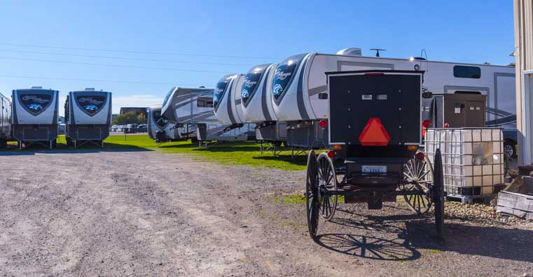 Highlander Open Range Toyhaulers with Amish buggy in Indiana-min