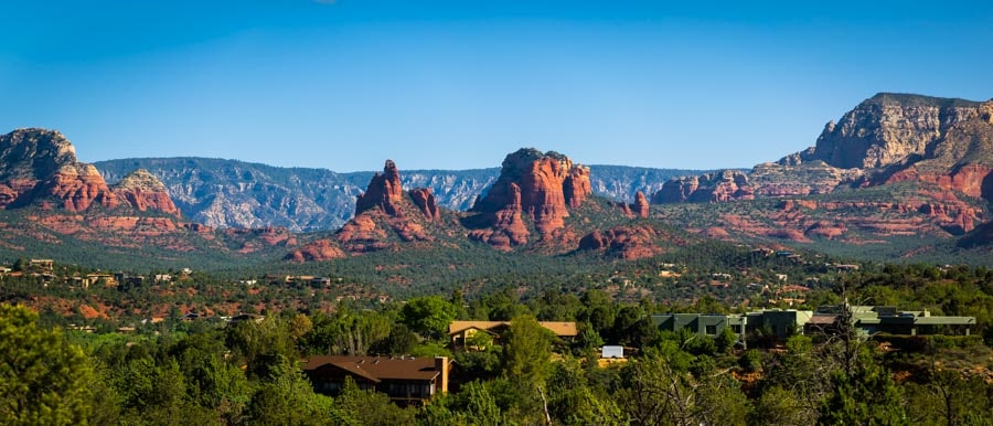 View from hiking trail Sedona Arizona-min