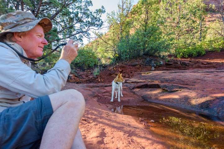 Photo op in Sedona Arizona on Hog Heaven trail-min