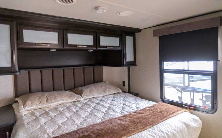Grand Design Momentum Toyhauler Bedroom-min