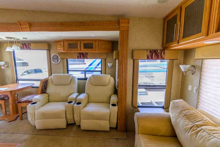 Hitchhiker Discover America 349RSB fifth wheel trailer RV Living Room-min