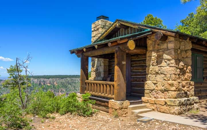 Grand Canyon North Rim cabin made of log and stone-min