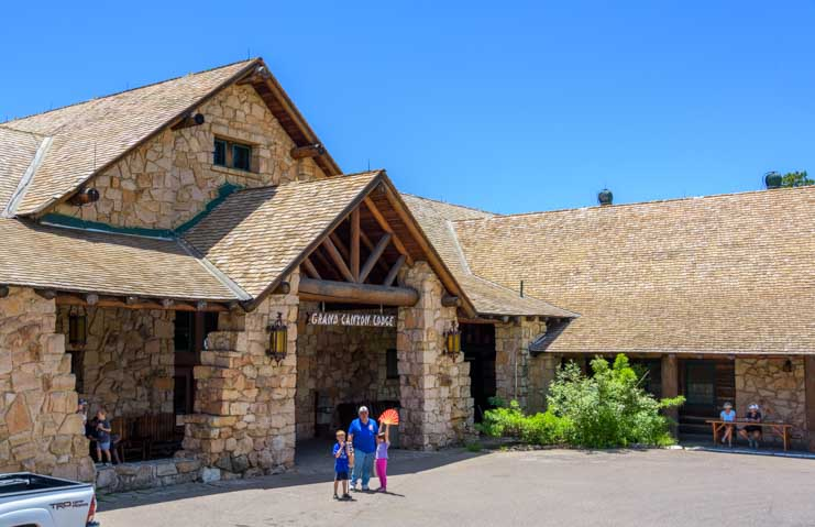 Grand Canyon Lodge entrance at the North Rim in Arizona-min