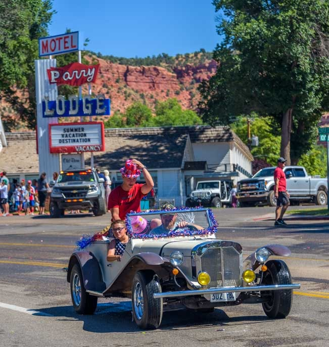 Antique car 4th of July parade Parry Lodge Kanab Utah-min