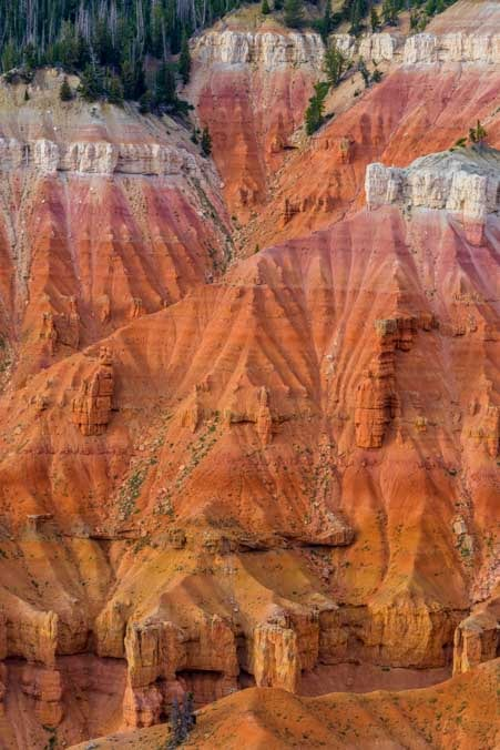 Colorful red rocks Point Supreme Cedar Breaks National Monument Utah-min