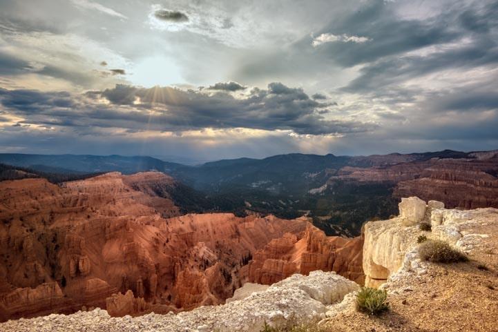 Cedar Breaks National Monument Stormy sky-min