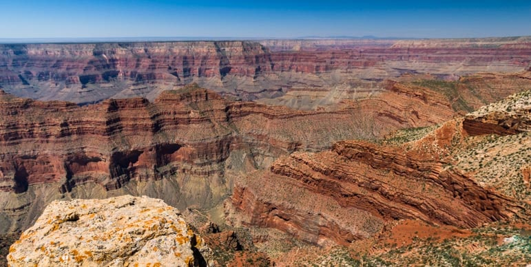 Spectacular red rock cliffs at Grand Canyon Point Sublime-min