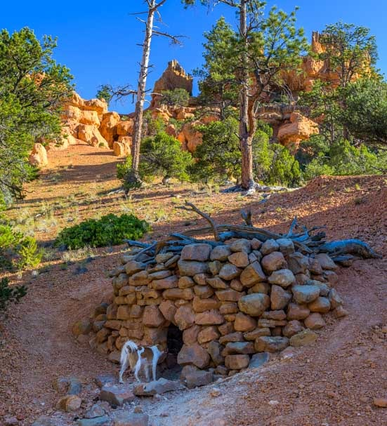 Stone building Arches Trail Red Canyon Utah-min