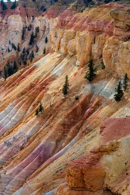 Cedar Breaks National Monument Utah pink orange and white cliffs-min