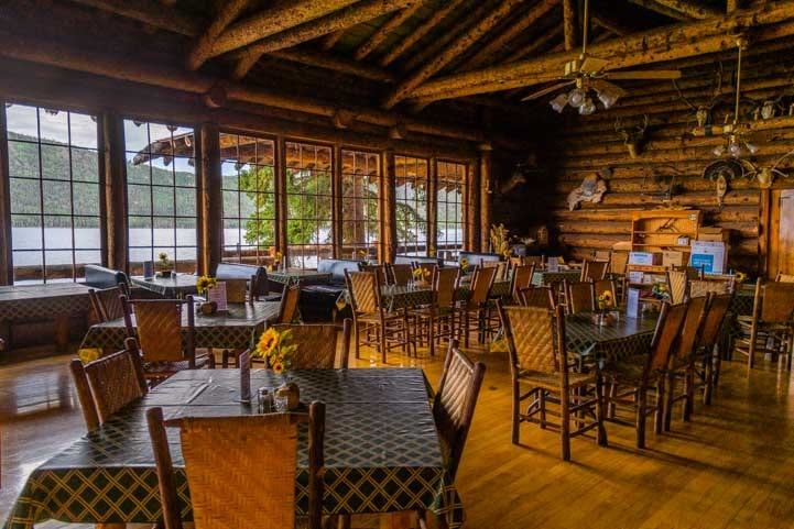 Dining room in Fish Lake Lodge Utah-min